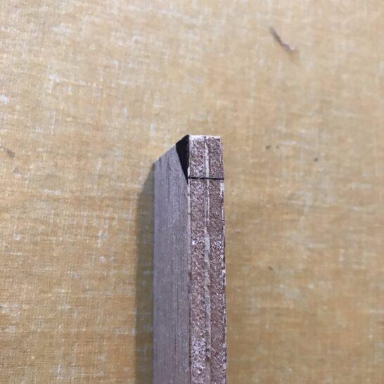 ビス穴位置書く道具斜めから